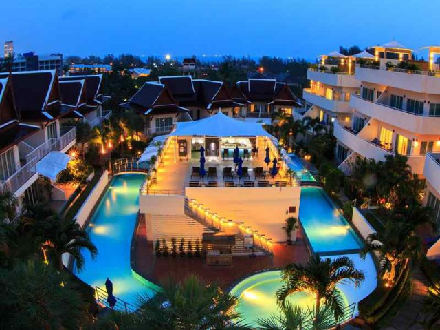 ขายกิจการโรงแรมใกล้หาดกะรน ภูเก็ต เนื้อที่ 4 ไร่ จำนวน 47 ห้องพัก ขาย 350 ล้น