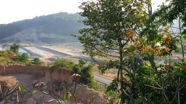 ขายที่ดินฉลองในซ.ในตรอกหน้าเขื่อนวัดสีลสุภาราม เนื้อที่13.5ไร่ ขาย12 ล้านต่อไร่