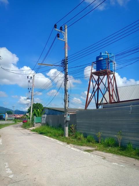 ขายที่ดินพร้อมโกดังโซนฉลองในซ.กรุวัฒนาใกล้ป่าหล่ายเนื้อที่ 1 ไร่เศษขาย 10 ล้าน