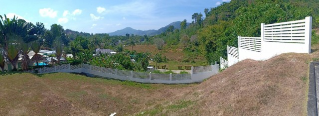 ขายบ้านพลูวิลล่า3ชั้นพร้อมตกแต่ง(Botan Village)กะทู้ เนื้อที่465ตร.วาขาย23.5ล้าน