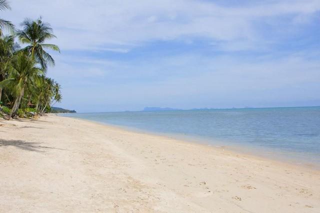 ขายที่ดินติดทะเลเกาะสมุย หาดบางปอ เนื้อที่ 3.5 ไร่เศษ ขายเหมา 125 ล้าน