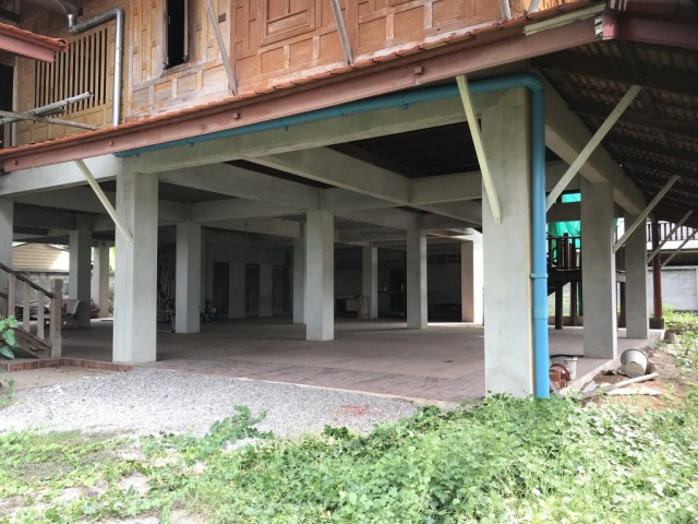 ขายบ้านทรงไทยติดแม่น้ำแม่กลอง-อัมพวา สมุทรสงคราม เนื้อที่ 203 ตร.วาขาย 25 ล้าน