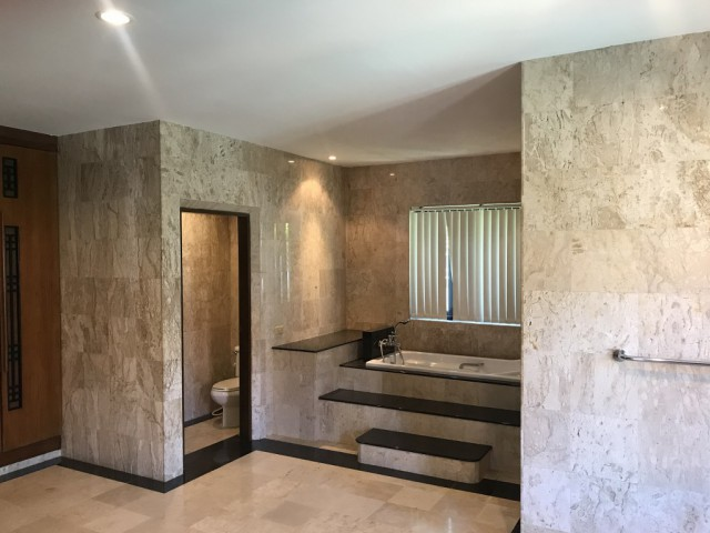 ขายบ้านพลูวิลล่าในโครงการบ้านบัว นายะ ราไวย์ ภูเก็ต เนื้อที่ 1.5 ไร่ ขาย 38 ล้าน