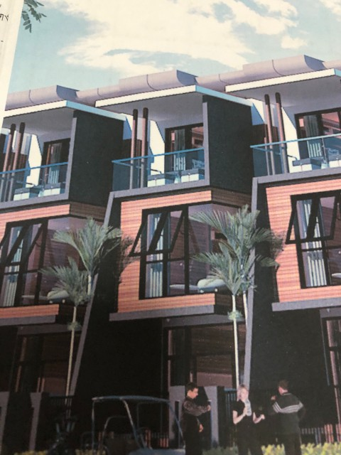 ขายด่วนบ้านทาวน์โฮม 3 ชั้นในสนามกลอ์ฟภูเก็ตคันทรีคลับกะทู้เนื้อที่21วาขาย5.2ล้าน