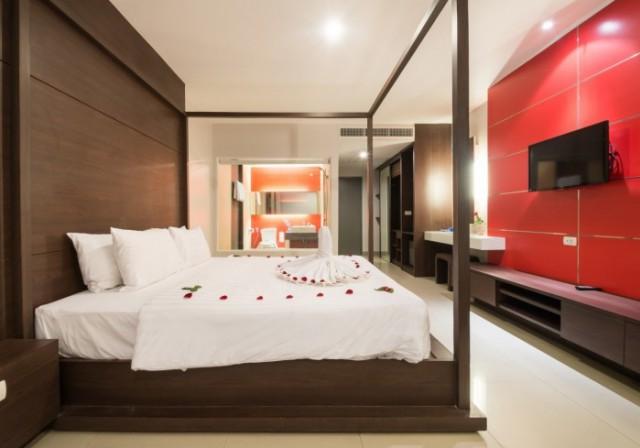 ขายกิจการโรงแรมใจกลางป่าตอง กะทู้ ภูเก็ต อาคาร 5 ชั้น  จำนวน 33 ห้อง ขาย 98 ล้าน