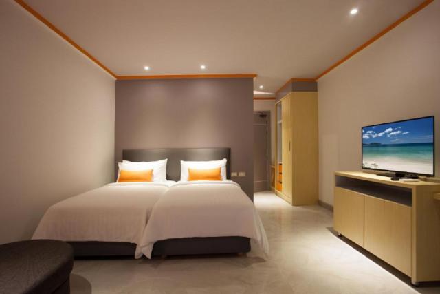 ขายห้องพักพร้อมกิจการใกล้หาดกมลาภูเก็ต 69 ห้อง เนื้อที่ 315 ตร.วา ขาย 160 ล้าน