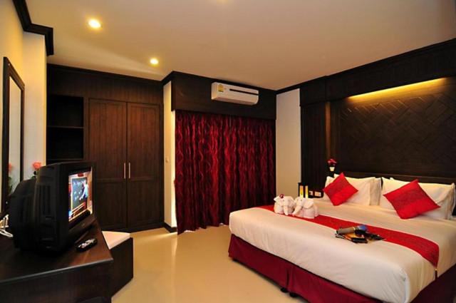ขายกิจการโรงแรมเมืองป่าตอง กะทู้ ภูเก็ต อาคาร 6 ชั้นจำนวน 20 ห้อง ขาย 32 ล้าน